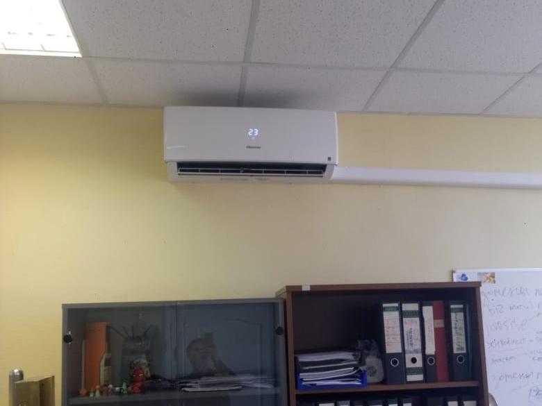 Монтаж кондиционера Hisense Smart DC Inverter в офисе Москва